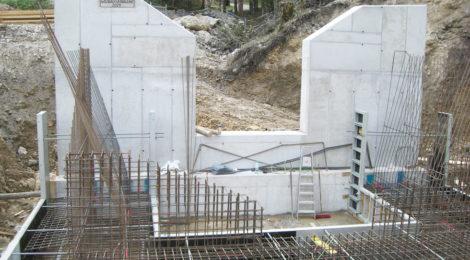 Kniewasserbach: Wildbachverbauung im Bau